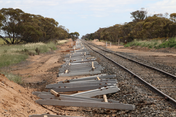 Rainbow railway line upgrade continues